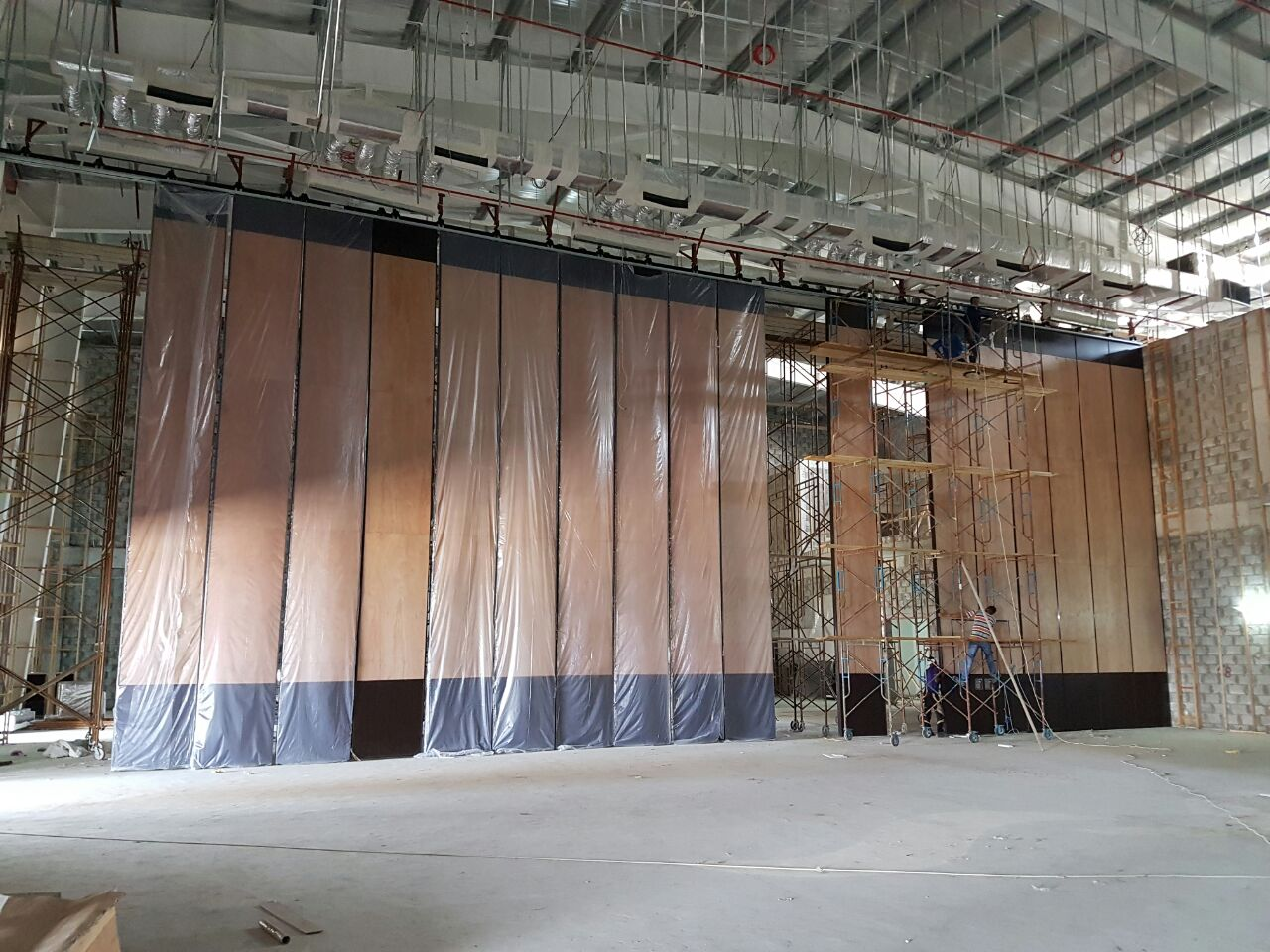 Our installation team was on site,9m high partition wall for multi-purpose hall