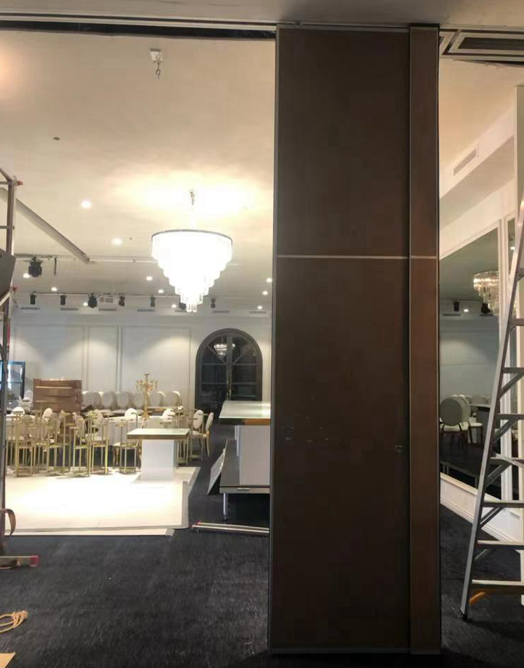 Operable Partition Wall For Banquet Hall